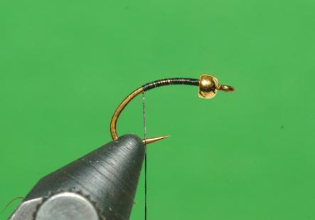 Step 1 tying instructions for the Micro Leech