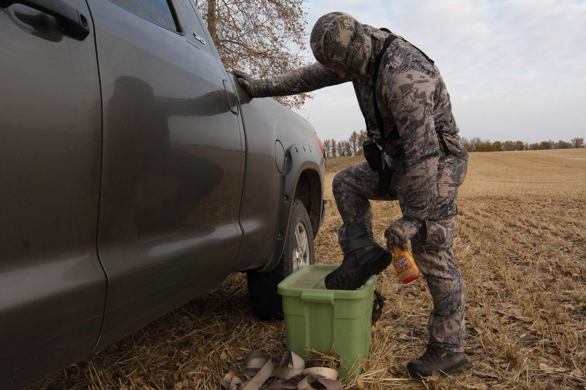 It's important to keep you and your decoys free from unnatural scents.